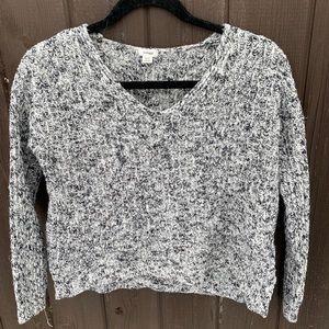 Salt & Pepper sweater from Garage 🖤🤍